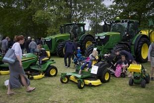 Maskinerne indtager dyrskuepladsen i Roskilde