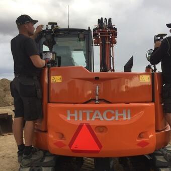 Nye Hitachi 85USB Gravemaskine