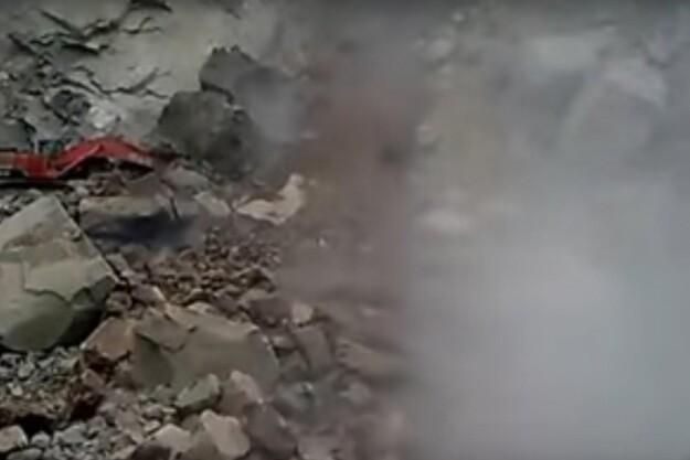Fredagsvideo: Nærkontakt med kæmpe sten