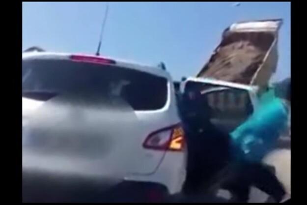 Fredagsvideo: Hids ikke lastbilchaufføren op