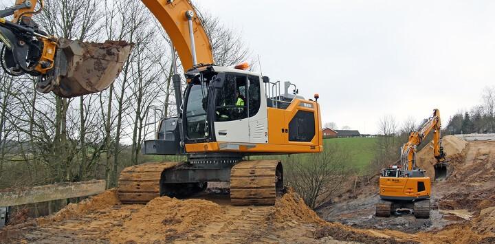 To nye gravemaskiner sendt på uventet arbejde af vejrguderne