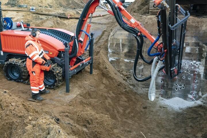 Ny Sandvik borevogn gør klar til sprængning