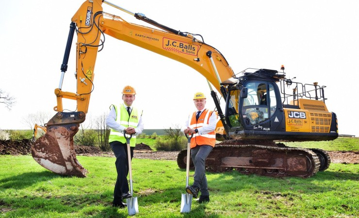 JCB bygger ny megafabrik