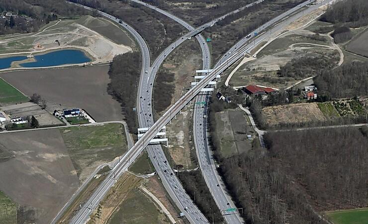 Klar til åbning af højhastighedsbane med prisvindende broprojekter