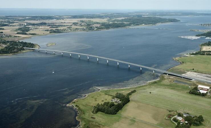 Kongelig bro er langt billigere end forventet