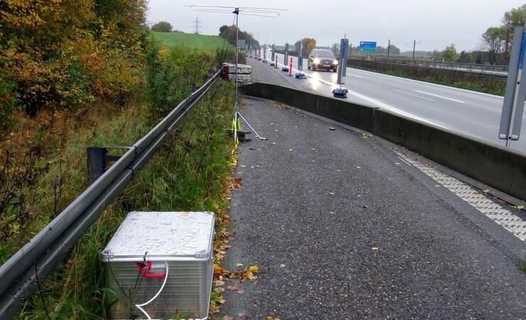 Radiovarslinger ved vejarbejde sænker farten en smule