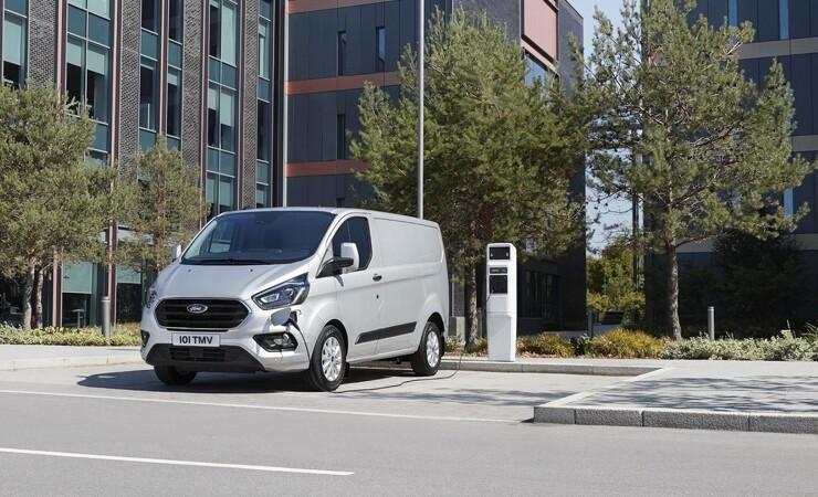 El-drevet Ford Transit med benzingenerator til Danmark