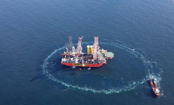 Første fundament til Danmarks største havmølleparken er på plads