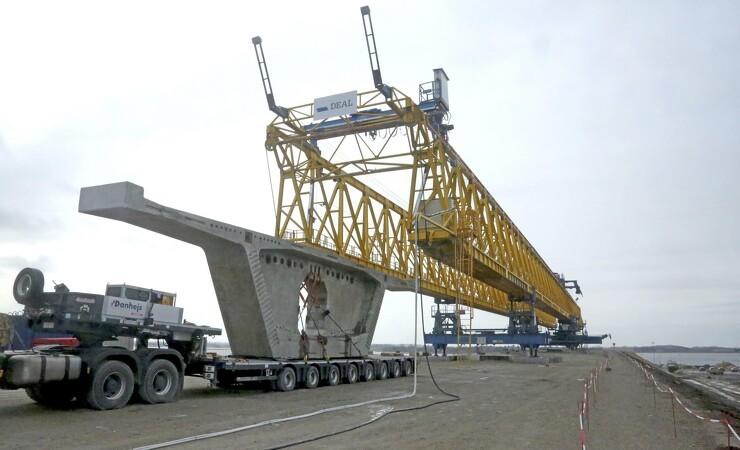 Kongelig bro tager form
