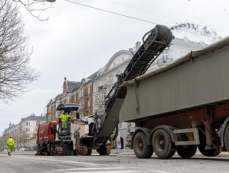 Ny asfaltfræser har danmarkspremiere