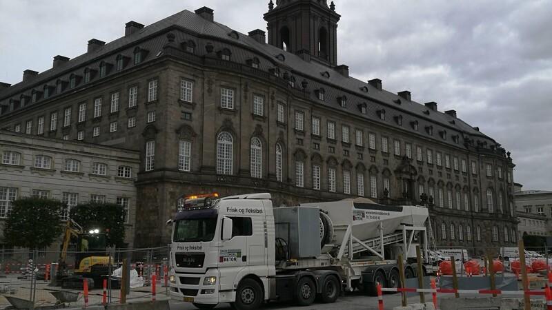 Mobile anlæg rykker ud med genbrugsbeton