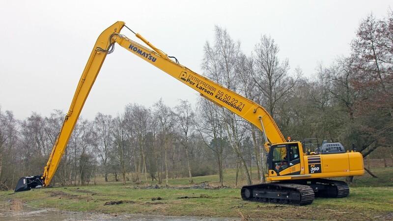 Langarmet gravemaskine rækker til mange opgaver