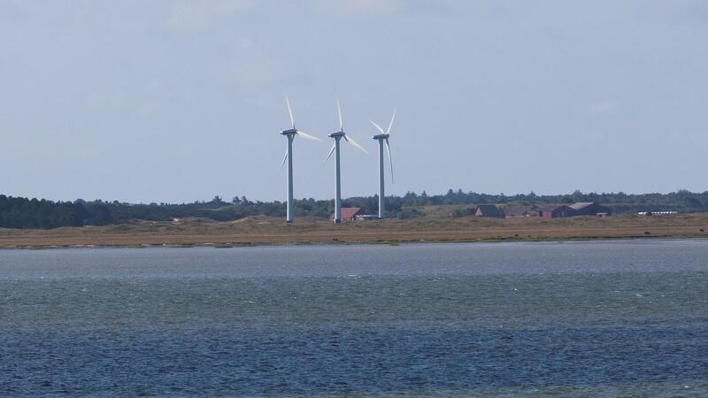 To sprængninger har ikke slået vindmølle omkuld