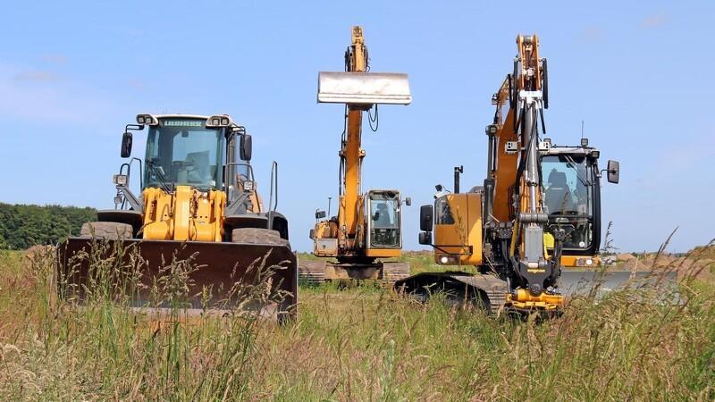Kaj Bech satser på større opgaver med større maskiner