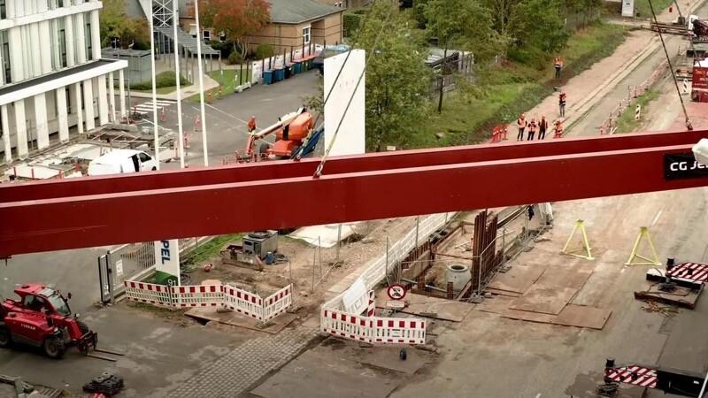 Gangbro på plads ved Hempels ny domicil