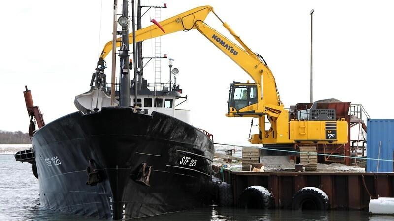 Tung havnearbejder rømmer skibene på 1,5 time