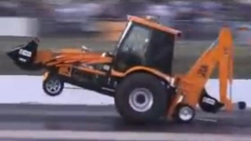 Fredagsvideo: Rendegraver kører med 130 km/t