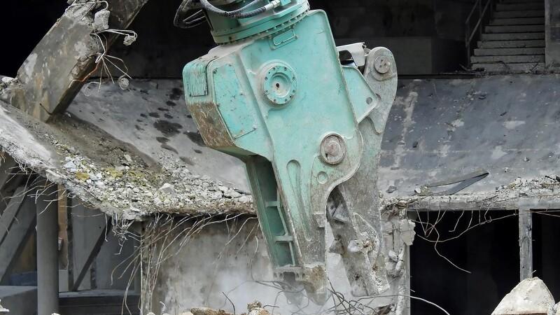PCB tvinger boligselskaber til nedrivninging