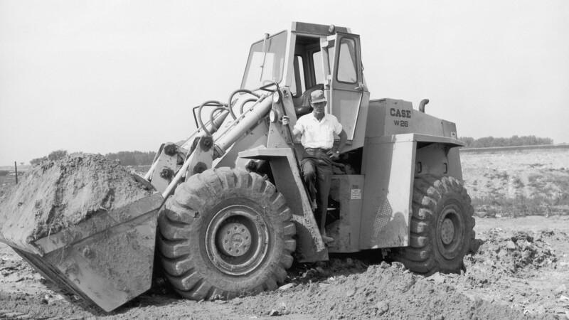 Case fejrer 60 år med hjullæssere